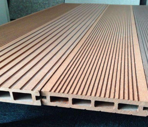 如何分辨劣质木塑板
